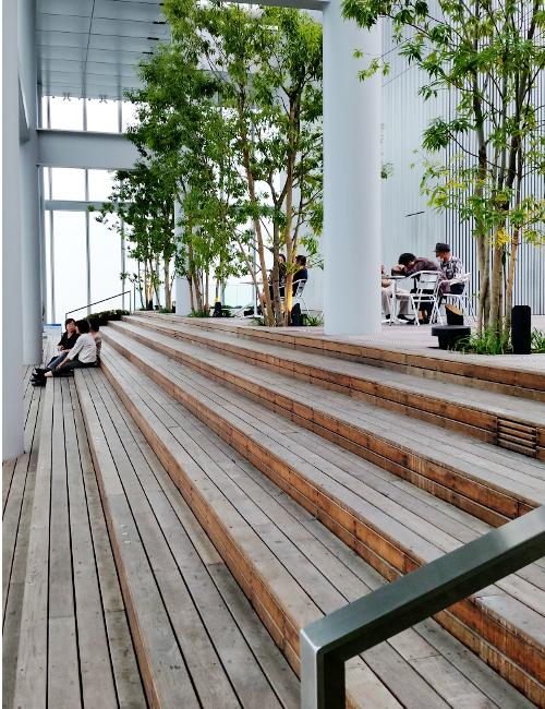 ハルカスカフェ階段